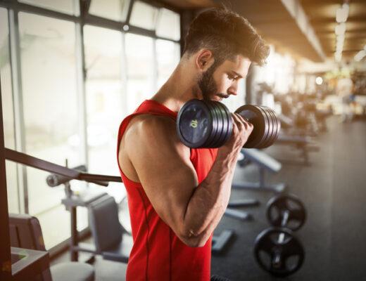 Mann träner - träningen har hjälpt mig bli bästa vän med min diabetes