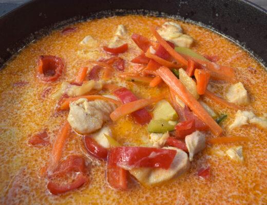 Recept på thai-inspirerad kycklingsoppa